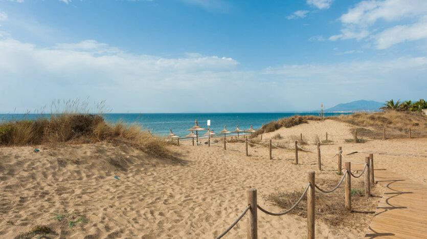 playa de artola Cabopino