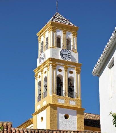 Plaza de los naranjos marbella